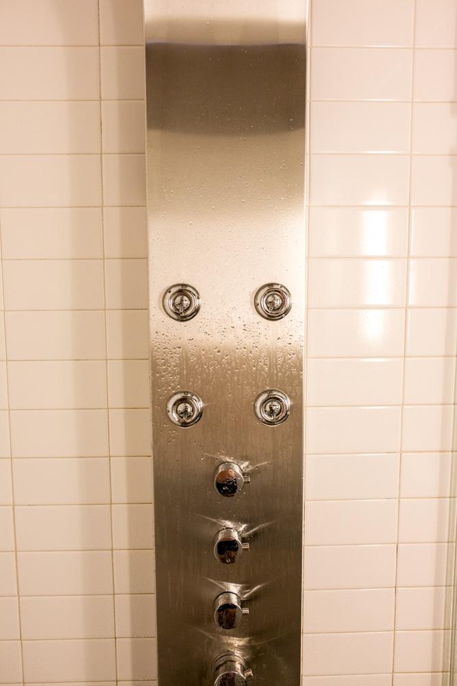 Hotel0002Red Madison