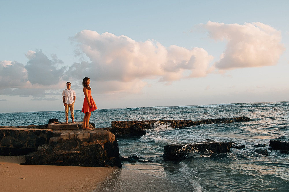 oahu sunset couple