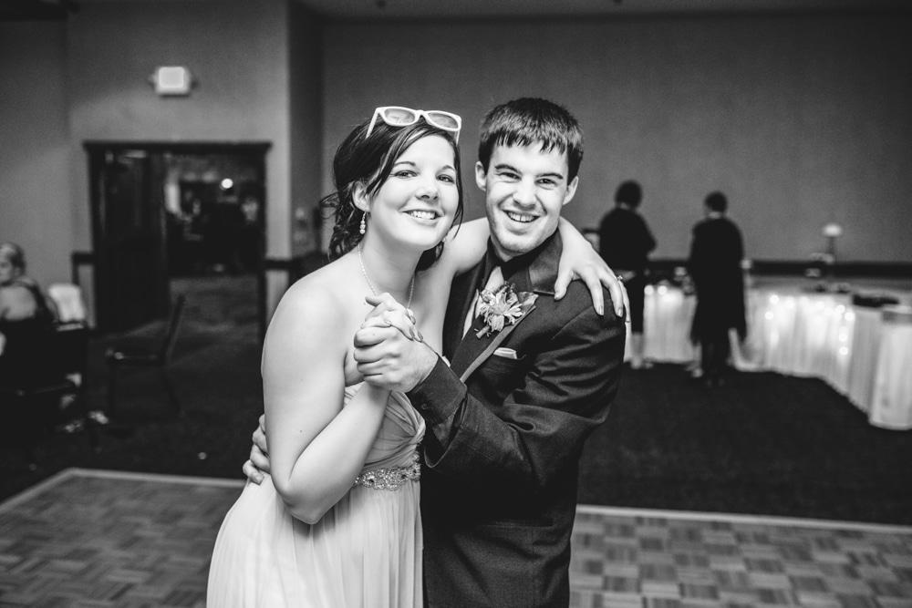 Onalaska0032 Wedding Photography