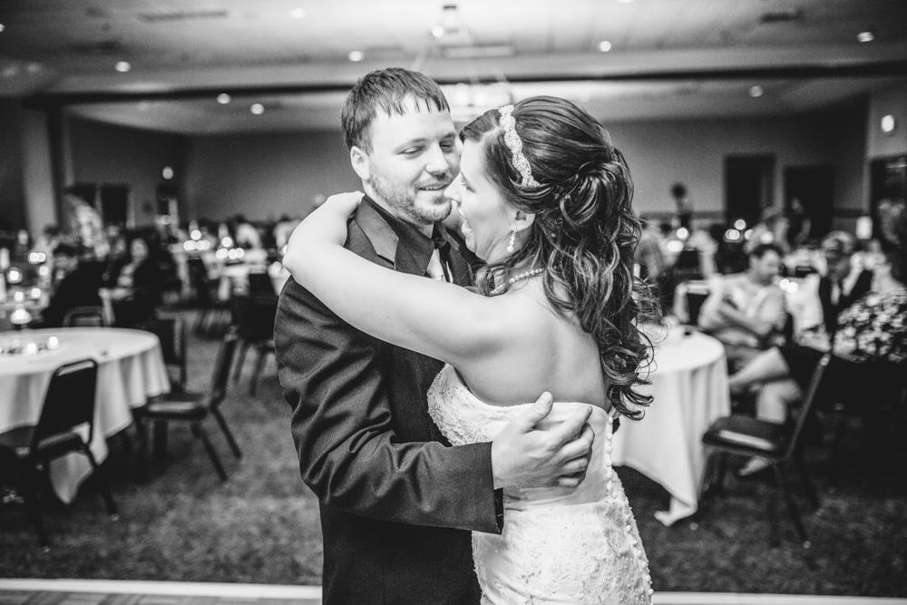 Onalaska0036 Wedding Photography
