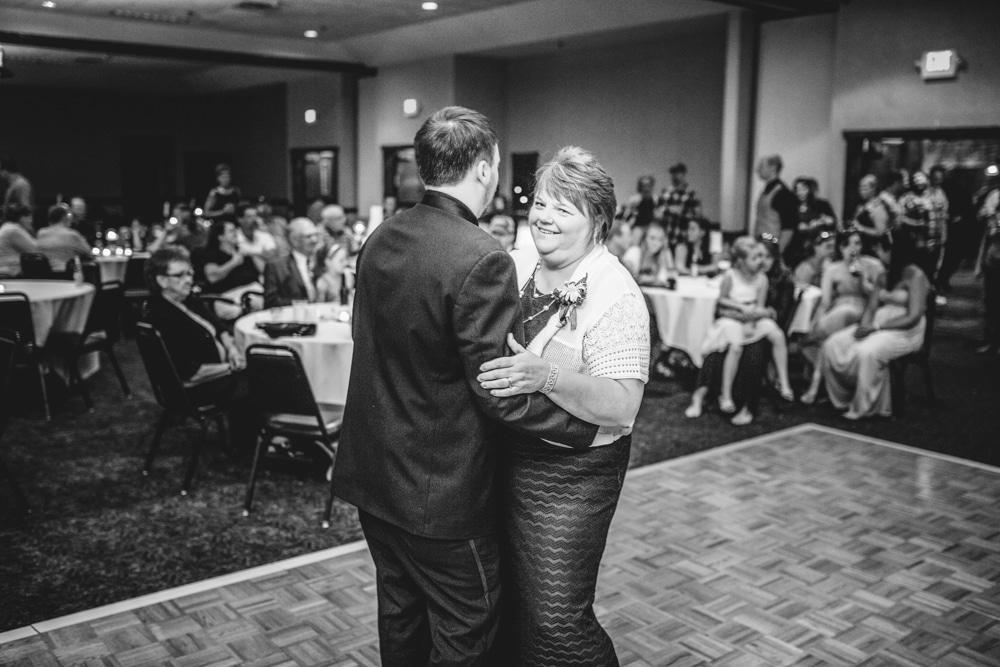 Onalaska0042 Wedding Photography